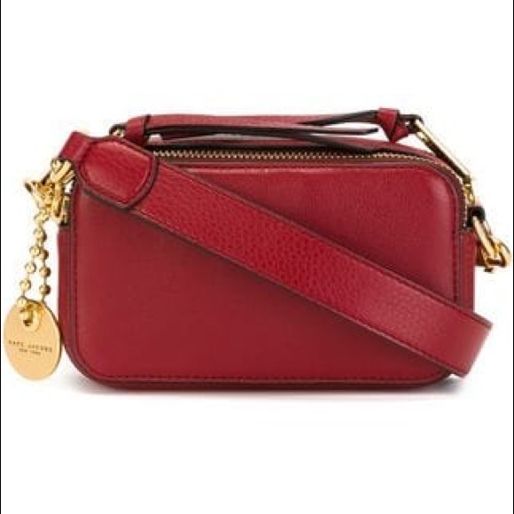131453e7b8 Marc Jacobs Recruit Camera Bag - Red -like new!! M_5b9c5bf72e147829271249e2